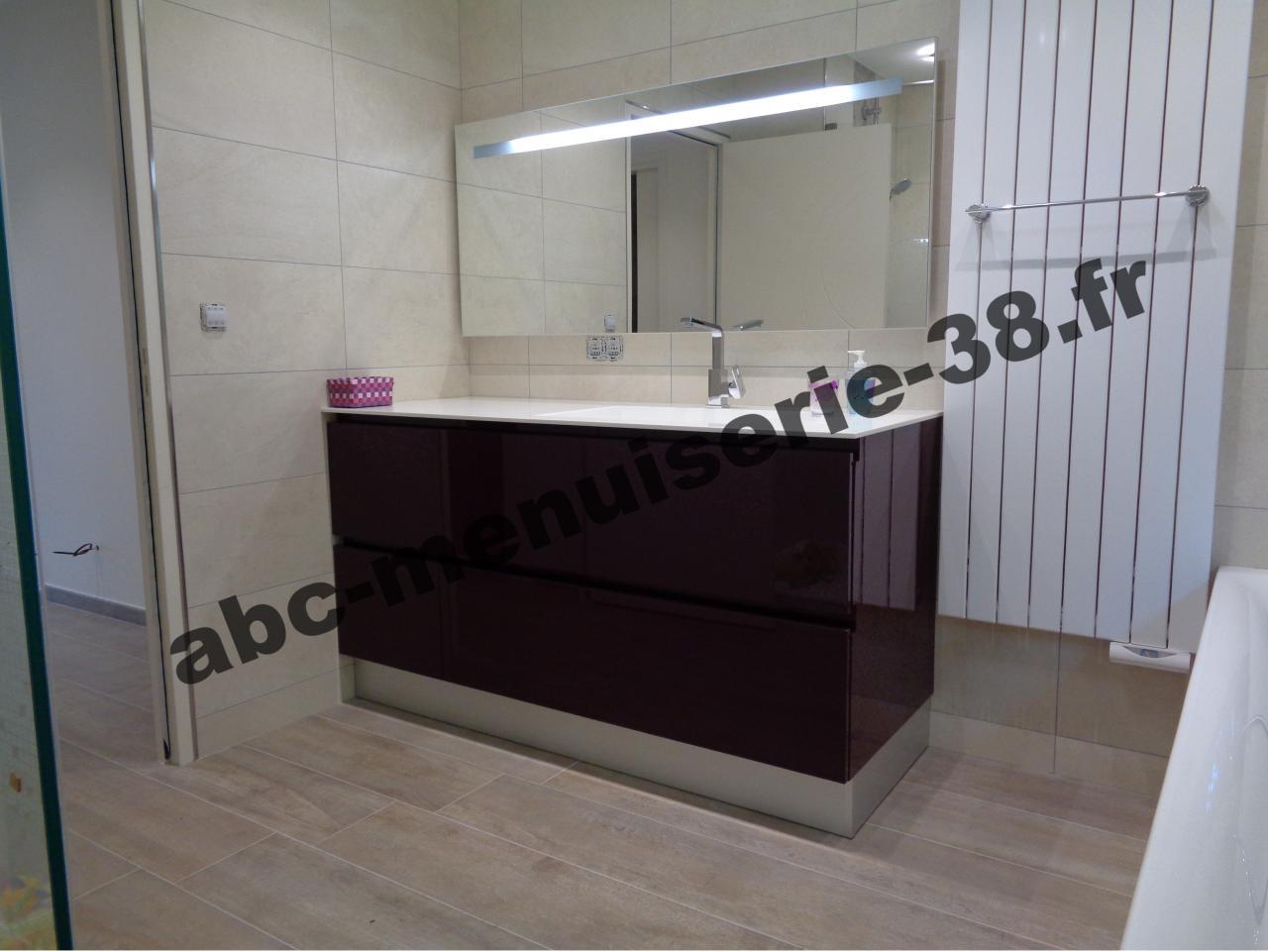 meuble de salle de bain façade laquée