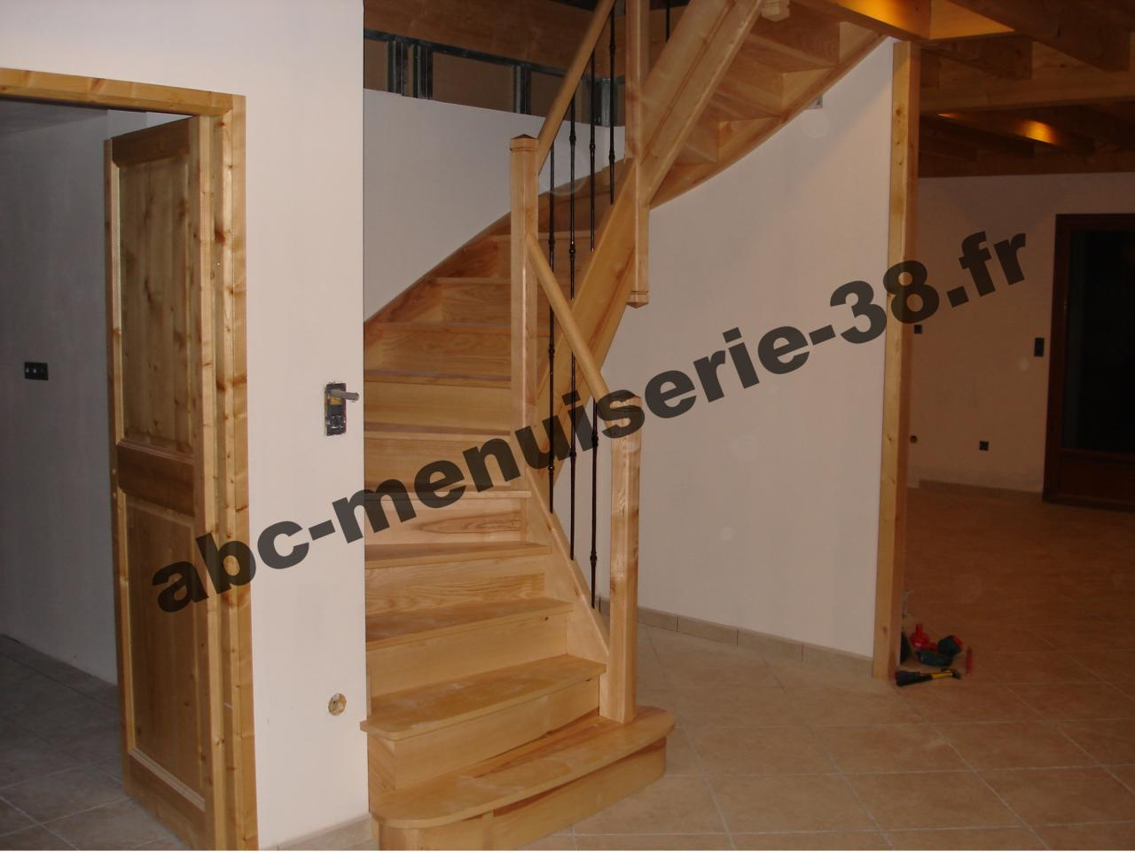 dsc00826 escalier deux quart tournant. Black Bedroom Furniture Sets. Home Design Ideas