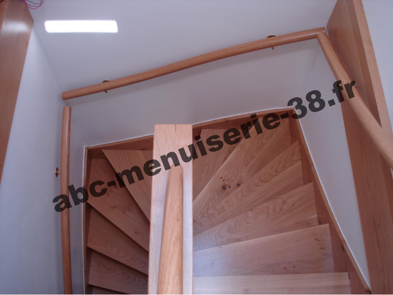 DSC01032 Escalier recouvert, rénové