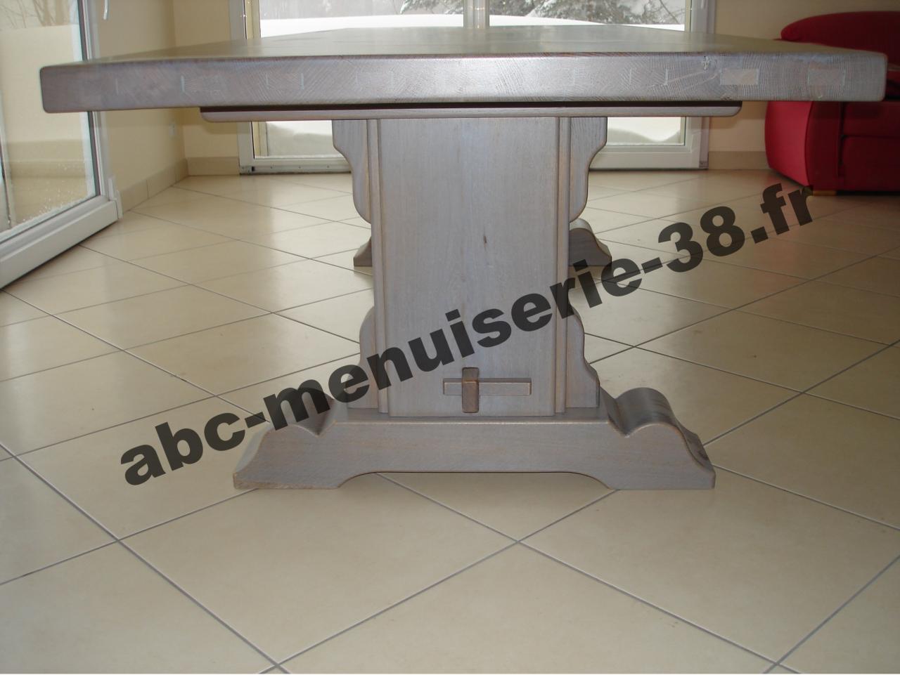 DSC01099 Table