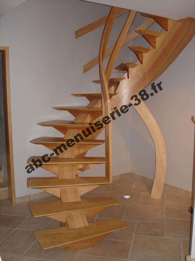 DSC01227 Escalier design avec limon centrale